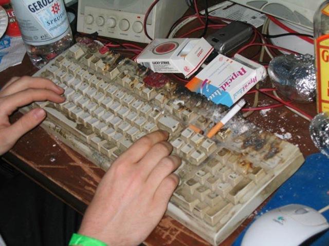 Si homero simpson se compra una computadora